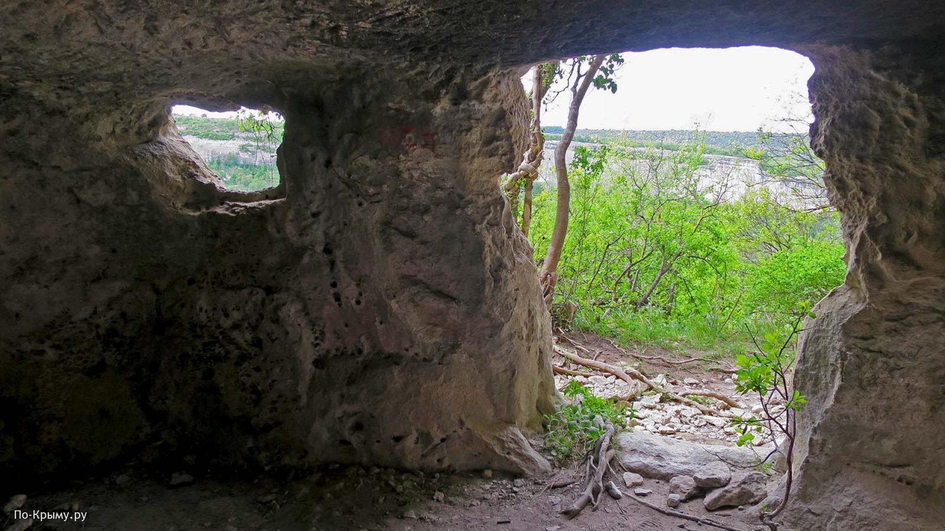 Крым, пещерный город