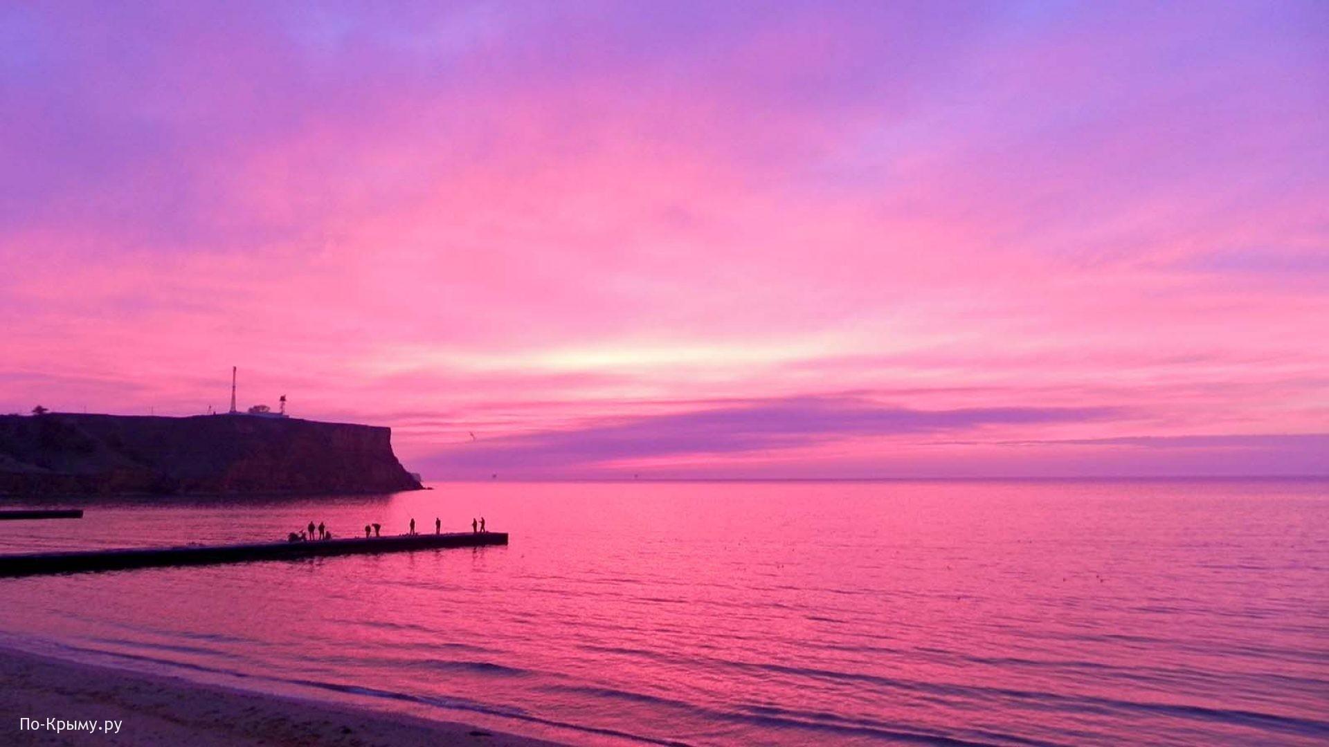 Малиновый закат в Крыму