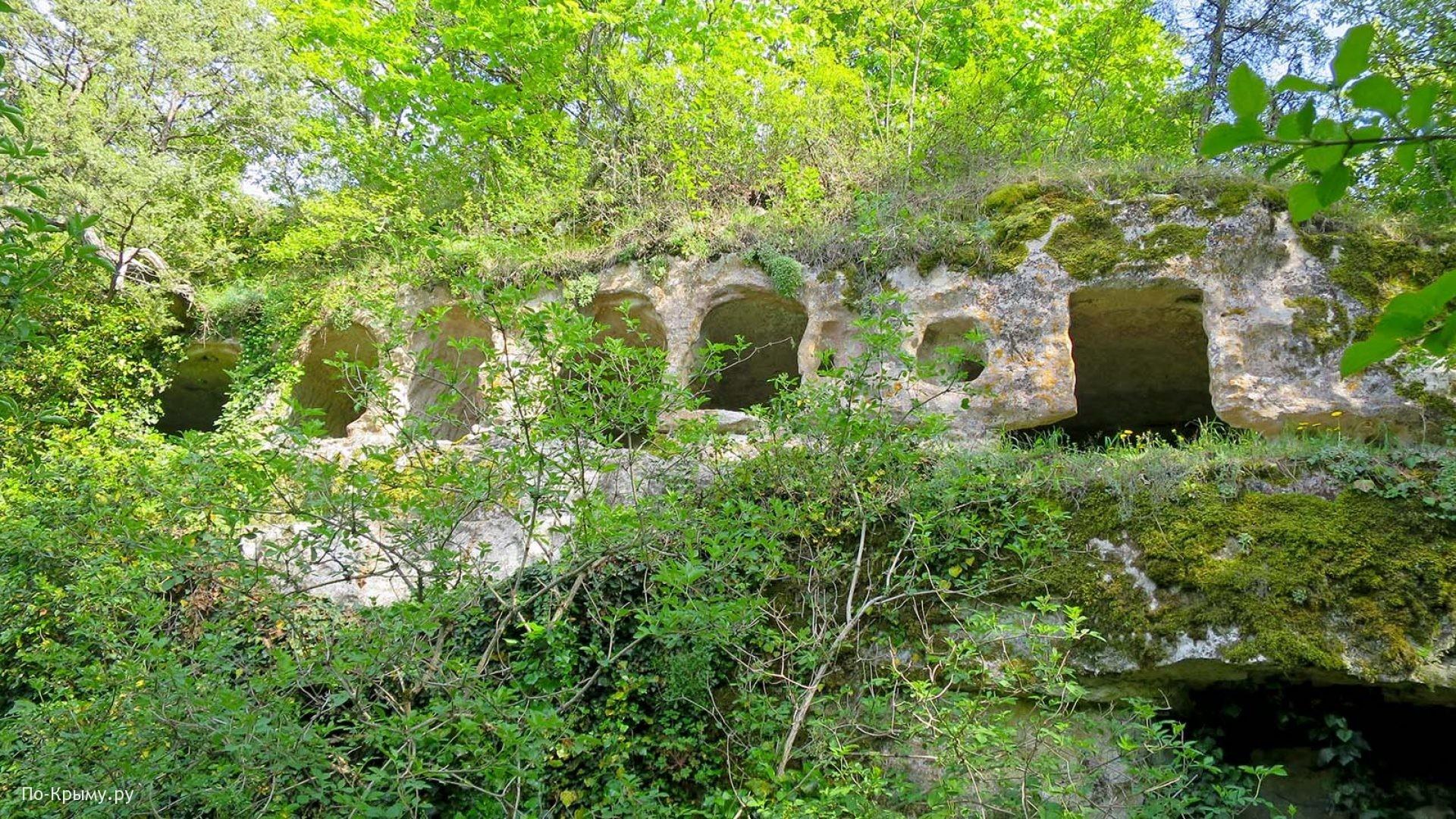 Оборонительные пещеры города