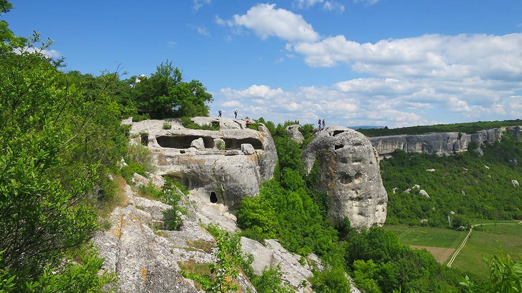 Многоярусные пещеры Эски-Кермена