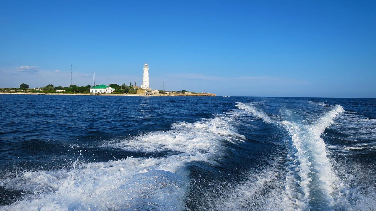 Тарханкутскому маяку 200 лет.