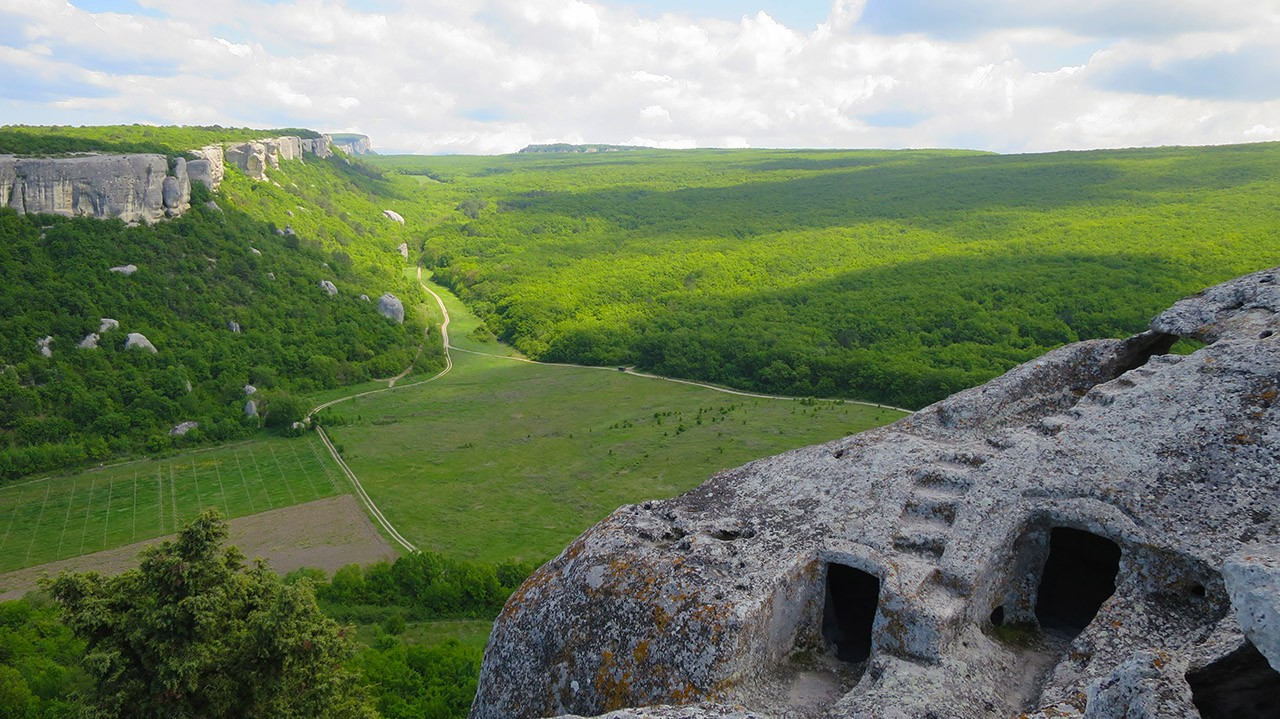 Самый посещаемый пещерный город Эски-Кермен