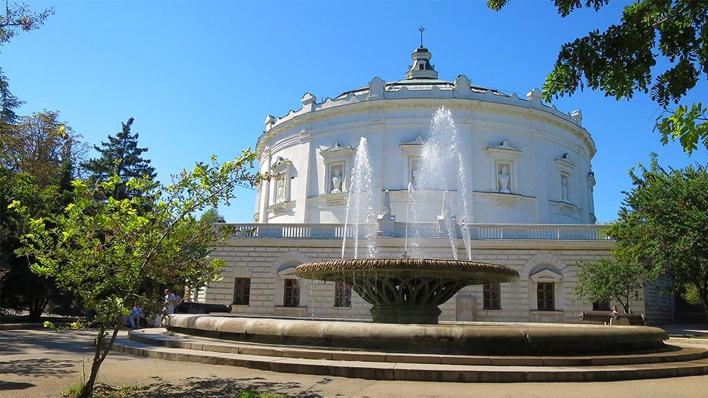 Фонтан у Севастопольской панорамы