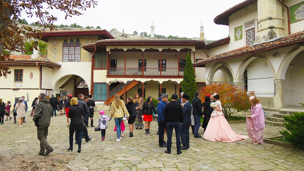 Увлекательные экскурсии в Ханском дворце Бахчисарая