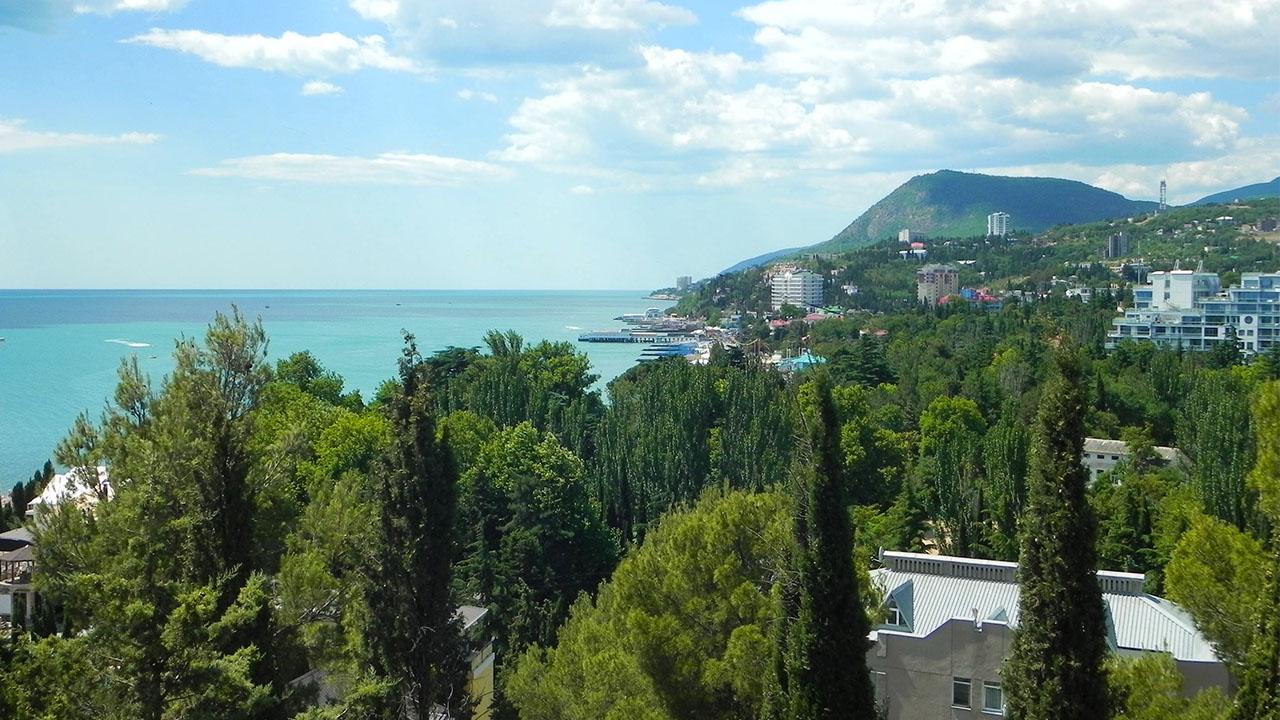 Крым, Алушта - город у моря