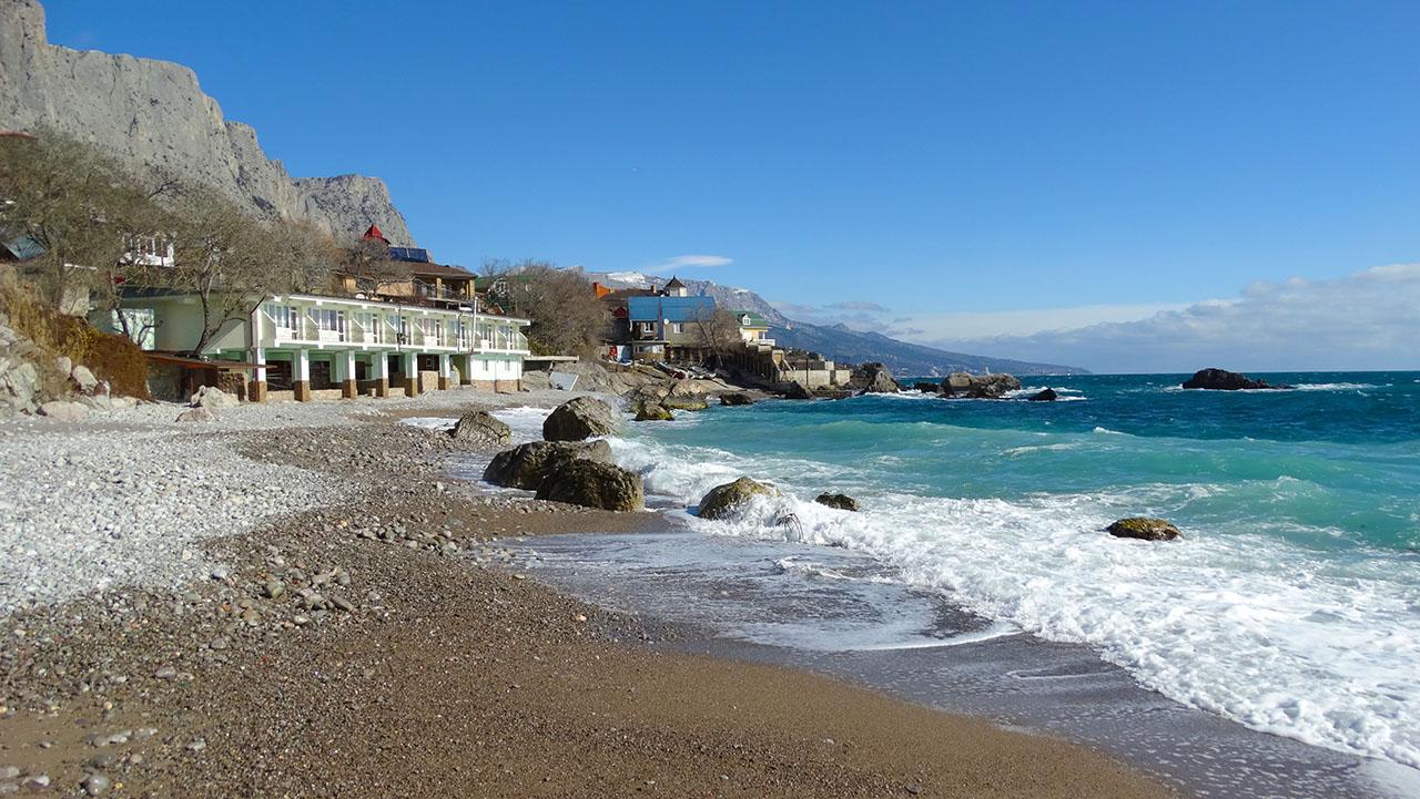 Форос, песчаный пляж, Крым.