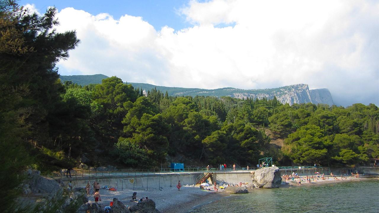 Живописный форосский парк у Черного моря