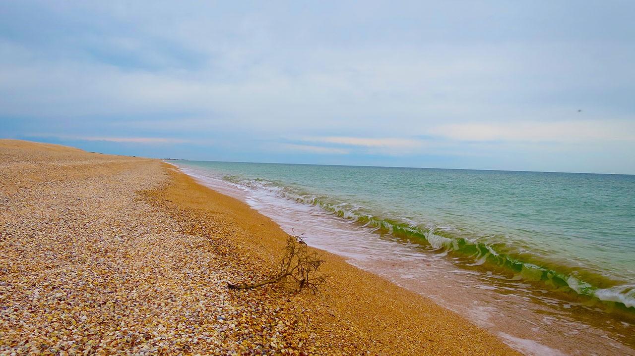 Зачем ехать в Крым - чтобы купаться и загорать на Азове