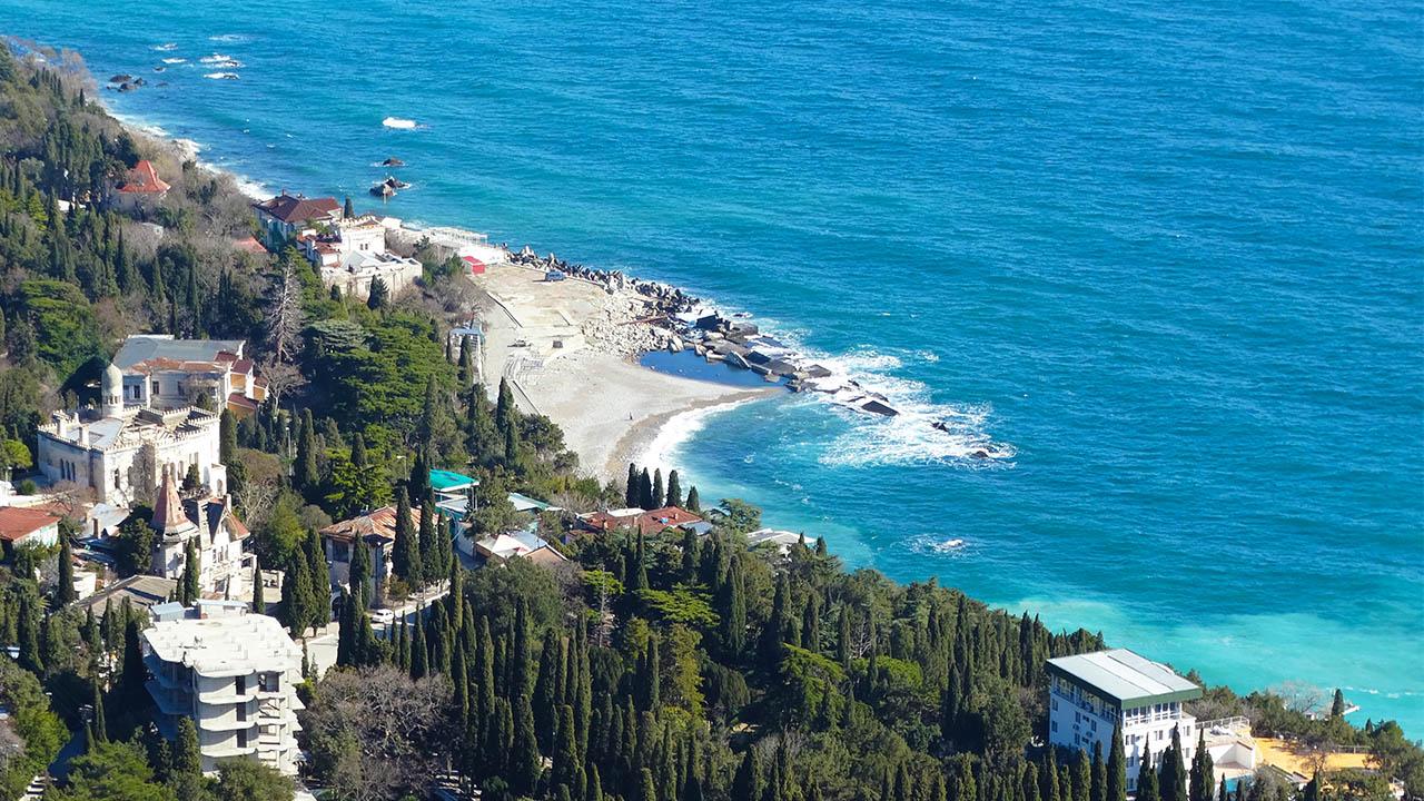 Вид на Пляжи Симеиза с горы Кошка.