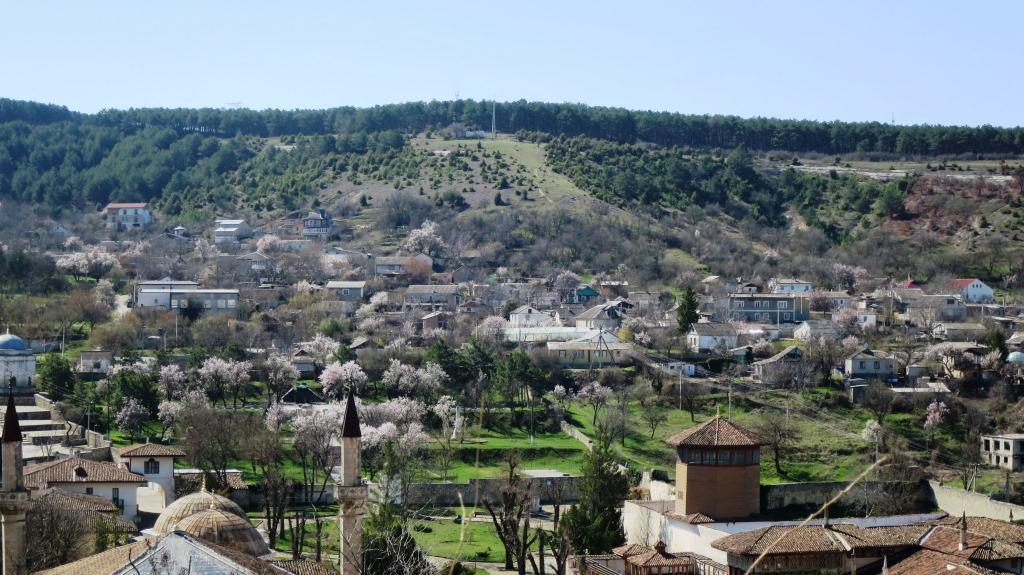 Город сад Бахчисарай, весна.