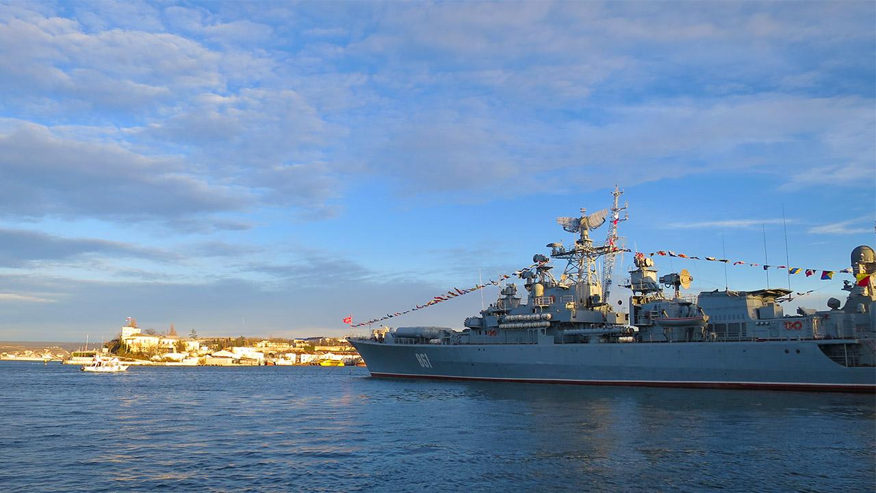 Севастопольская бухта одна из удобнейших бухт в мире