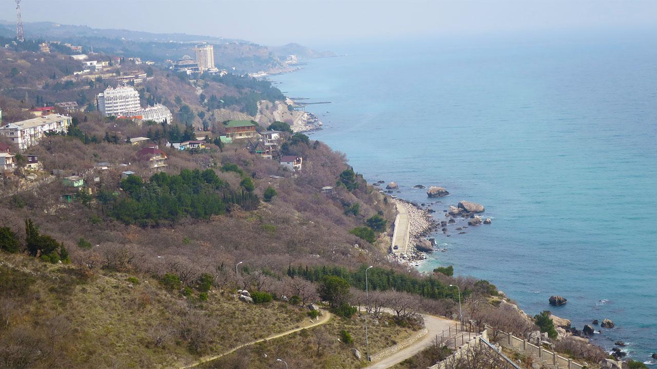 Береговая полоса в Кастрополе, Крым.