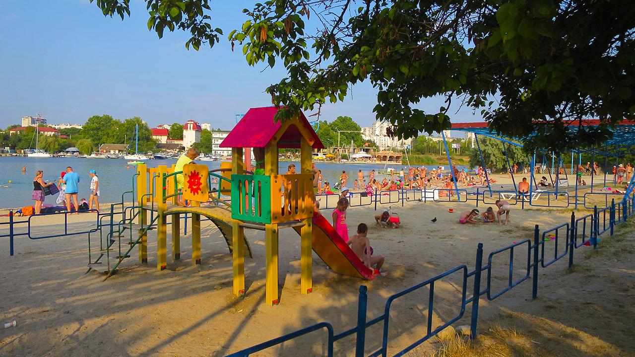 Развлечения для детей в Севастополе на песчаных пляжах