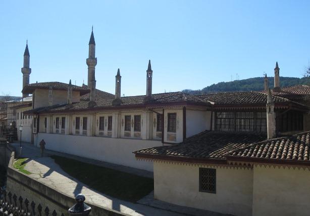 Каким стал Старый город в Бахчисарае после ремонта