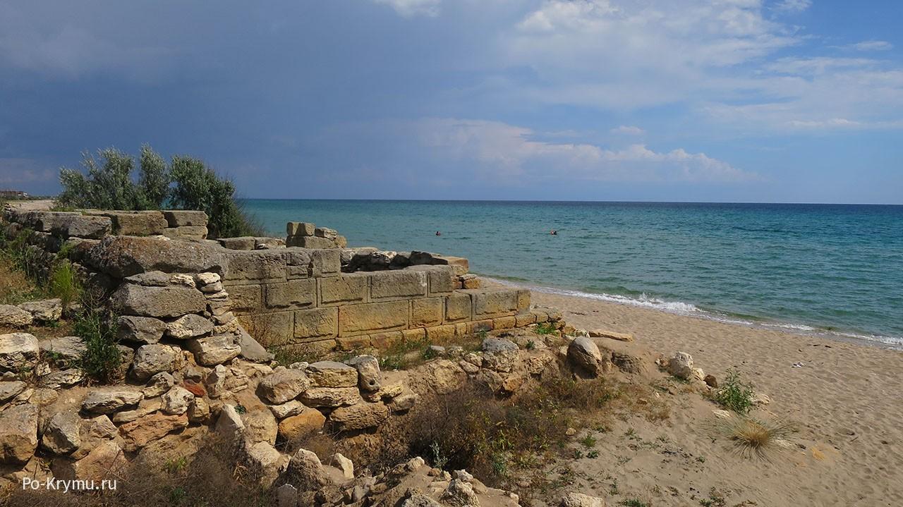 Руины Беляуса перед грозой