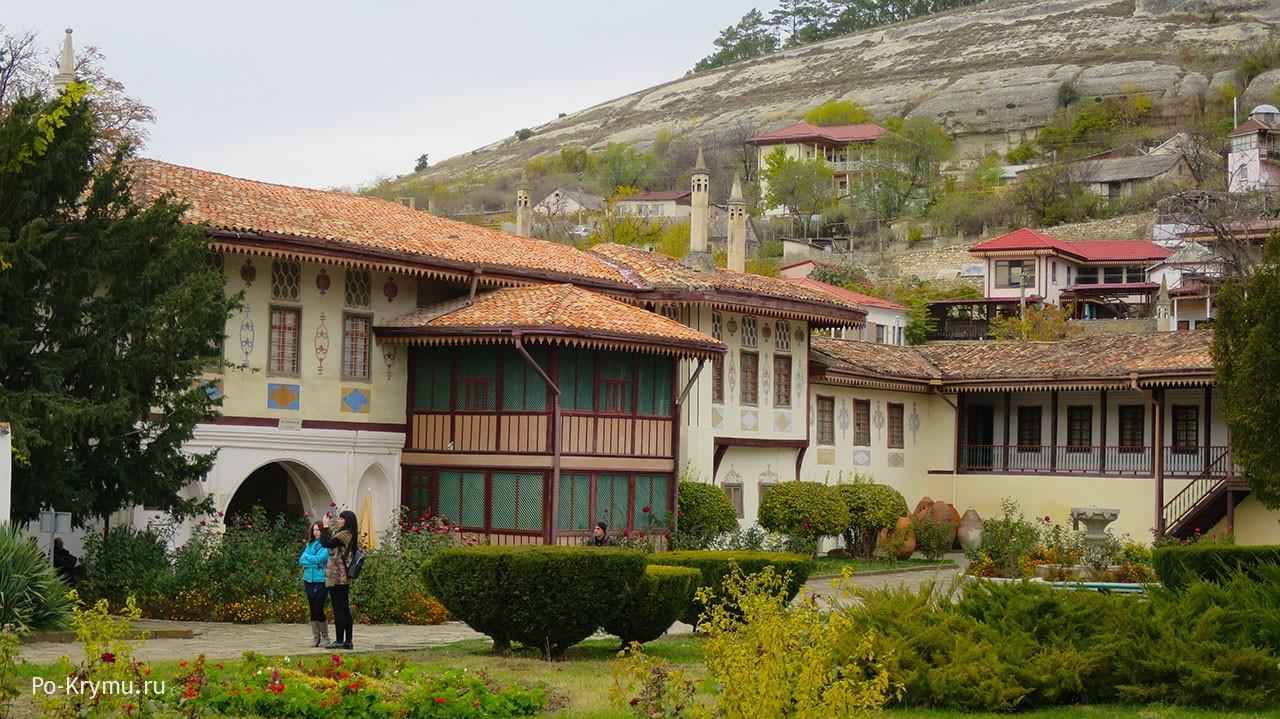 Бахчисарайский дворец осенью.
