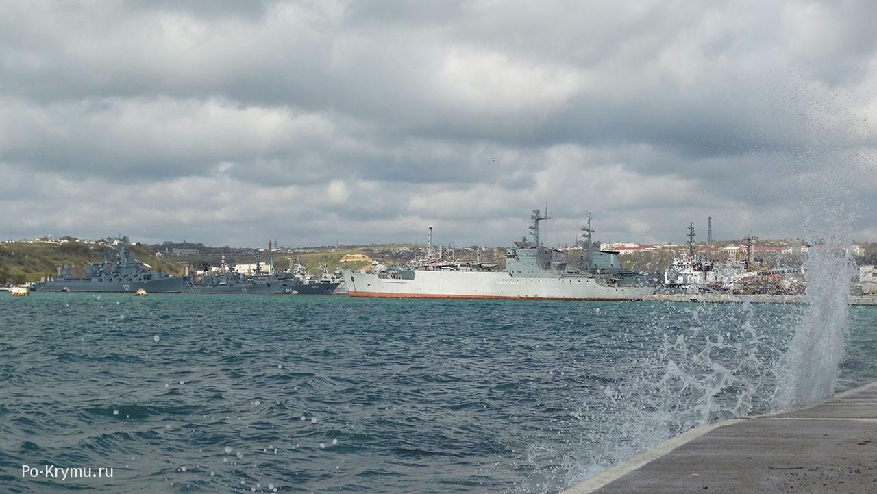Грозные военные корабли.