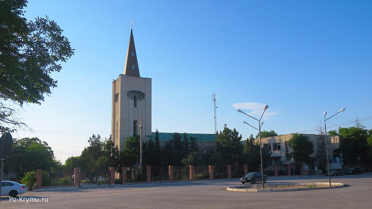 Необычная архитектура церкви Святых Елисаветы и Захария