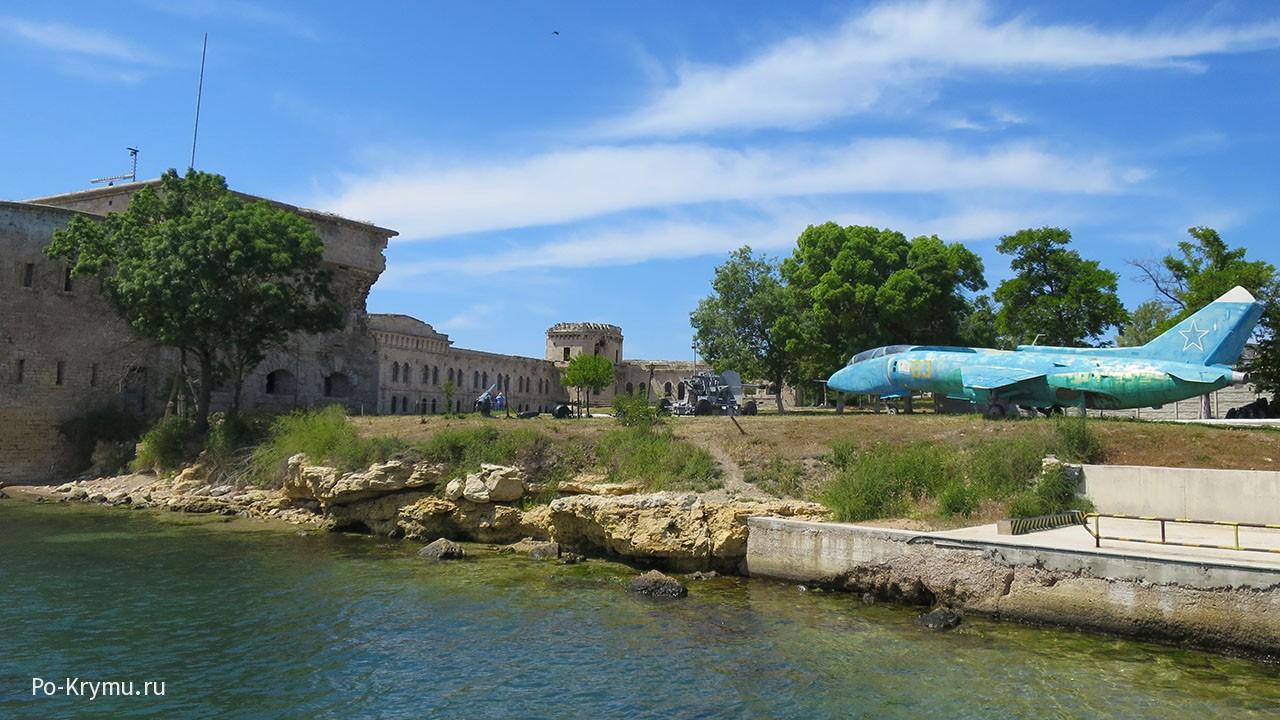 Михайловская батарея на берегу Севастопольской бухты