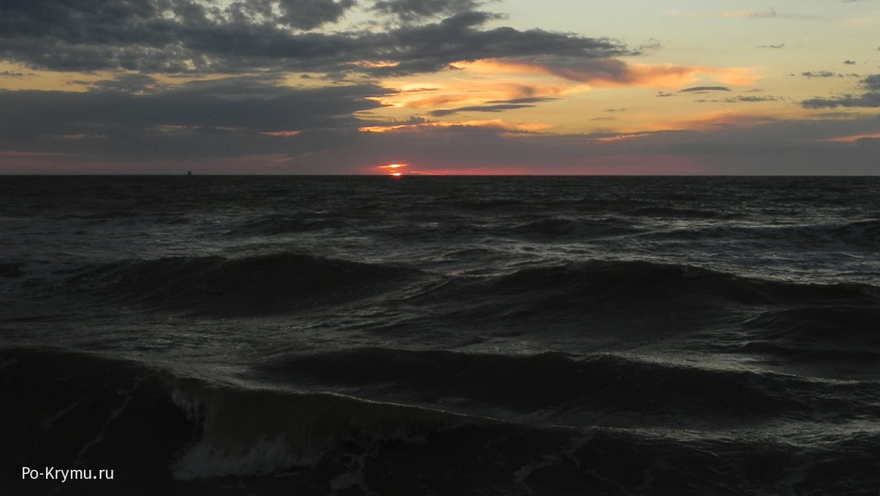 Какого цвета Черное море