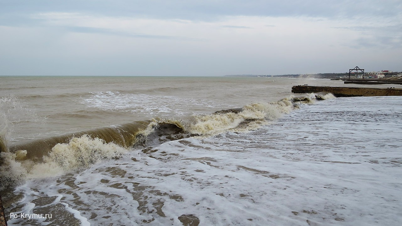 Почему морская волна разного цвета