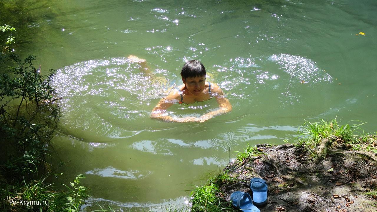 Холодные речные воды.