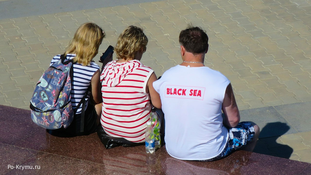 Черноморские мотивы в повседневной одежде