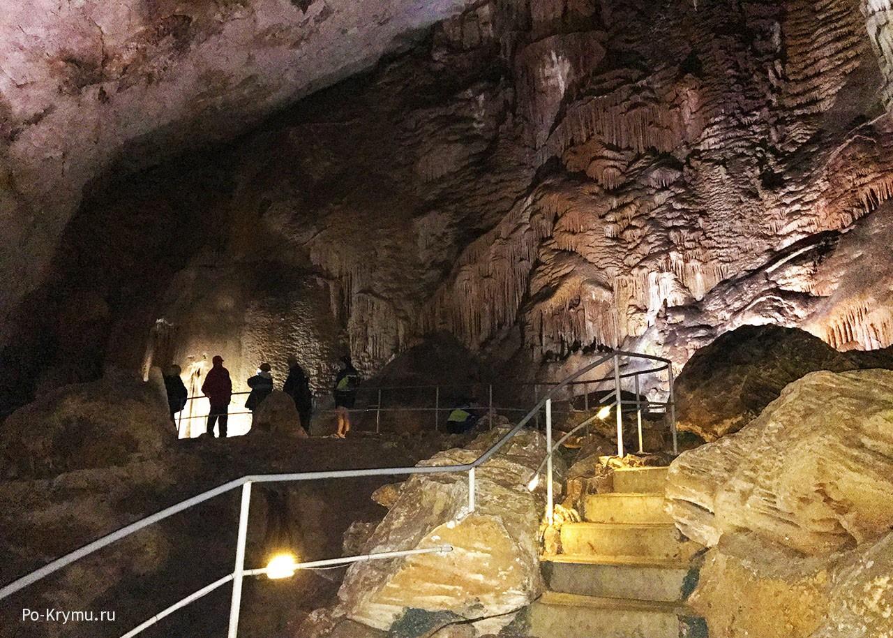 Эмине-Баир-Хосар - пещера мамонтов в Крыму.