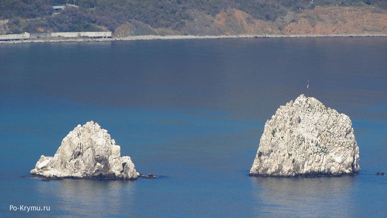 Белые скалы Адалары.