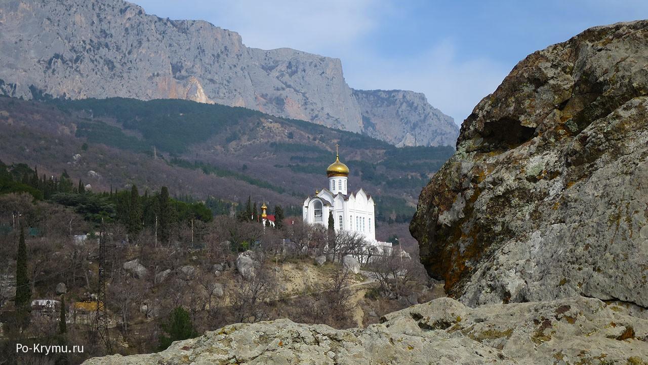 Новый крымский храм Казанской иконы Божией Матери.