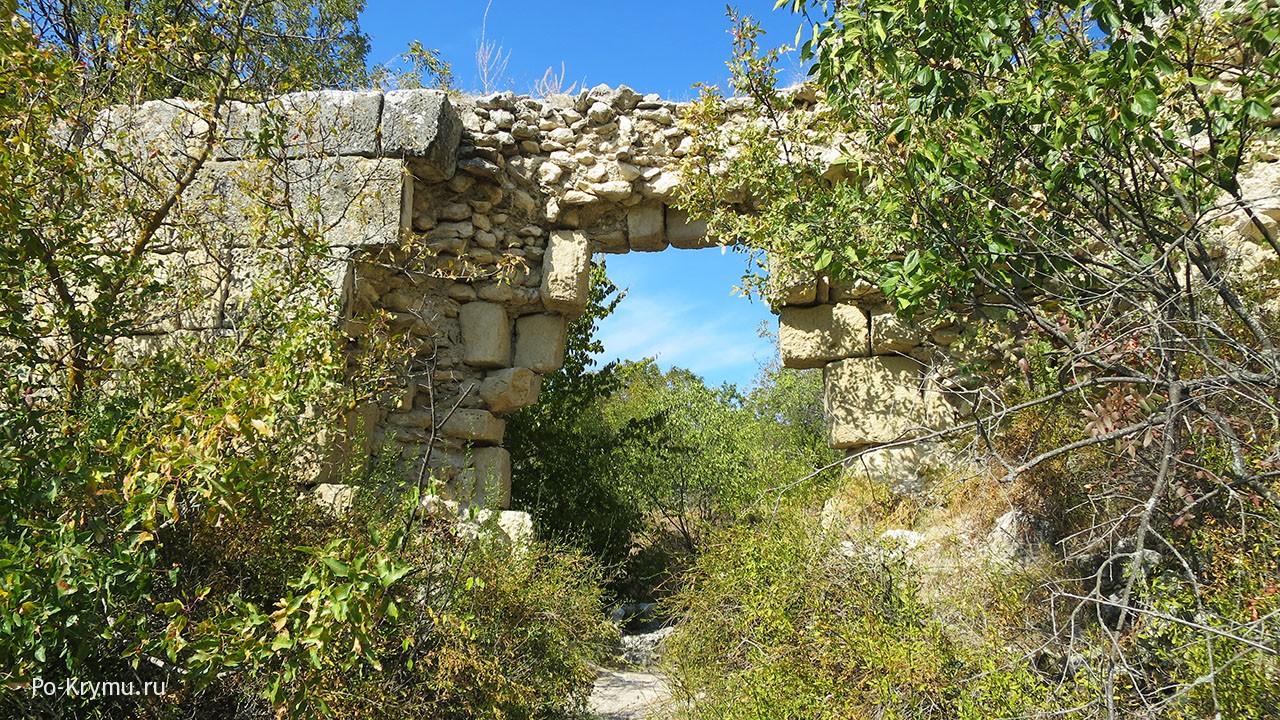 Сюйреньская крепость у Бахчисарая.