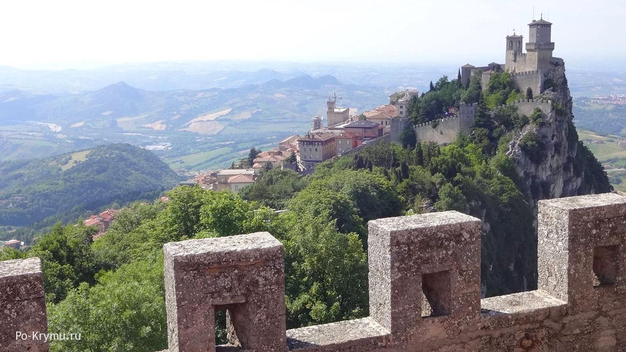 Замок в Сан-Марино.