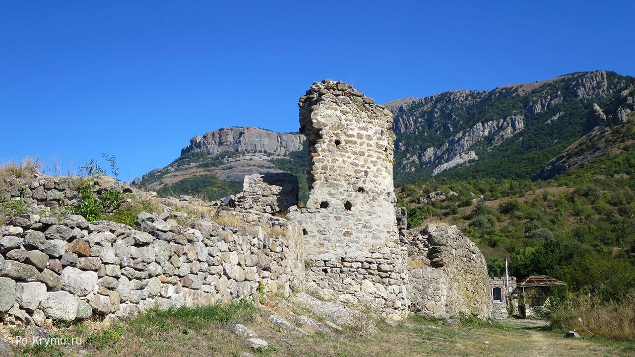 Крепость Фуна в Алуште.