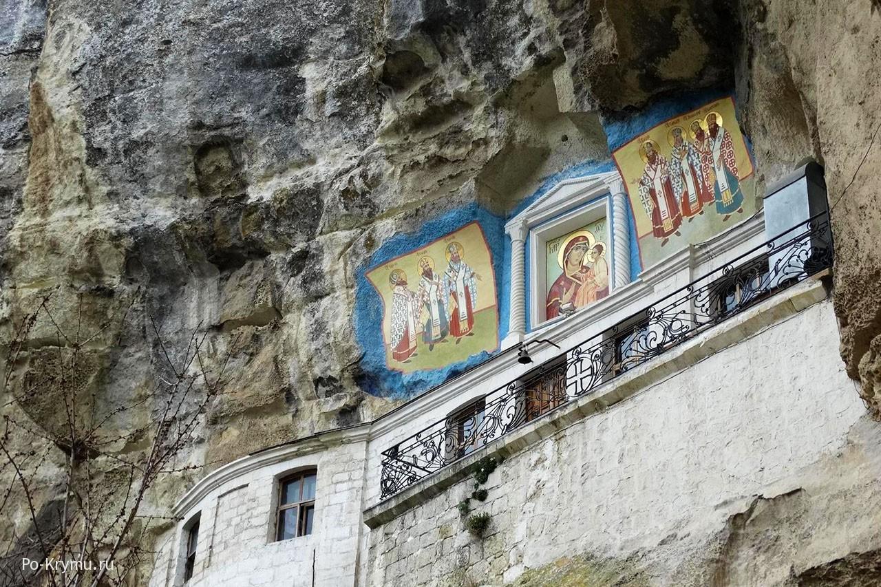 Успенский пещерный монастырь в Бахчисарае, Крым.