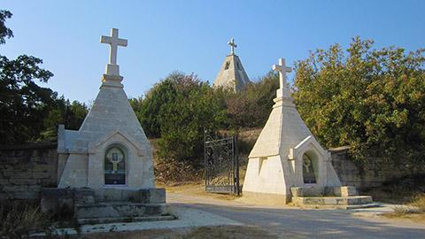 Братское кладбище на Северной стороне Севастополя