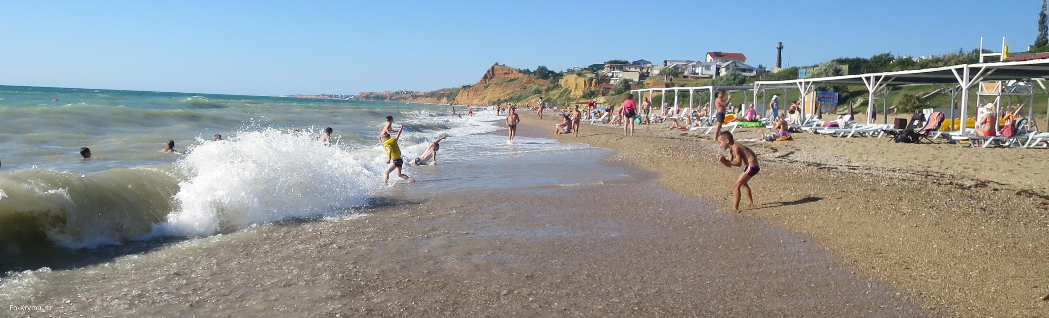 Севастополь, пляж Любимовки - фото моря, берега, отдыхающих.