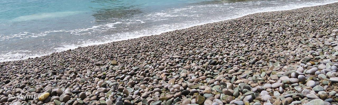 Центральный пляж Симеиза на Южном берегу Крыма