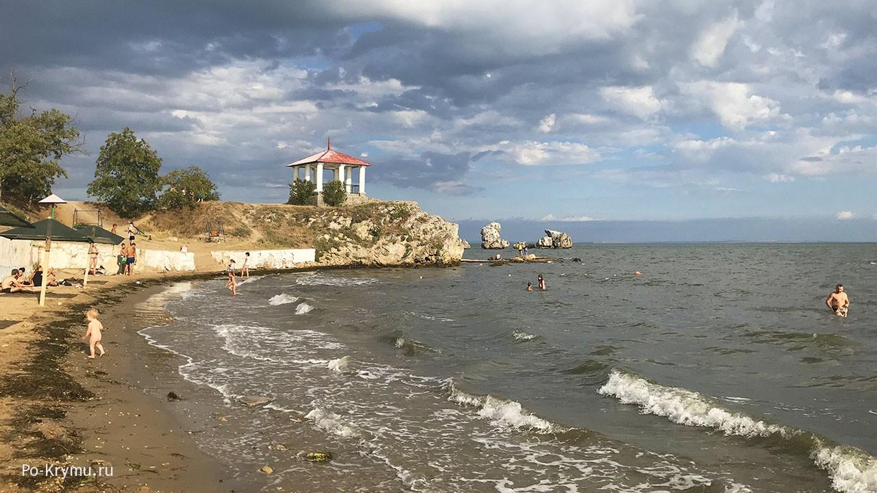 Отдых с детьми на Молодежном пляже Керчи