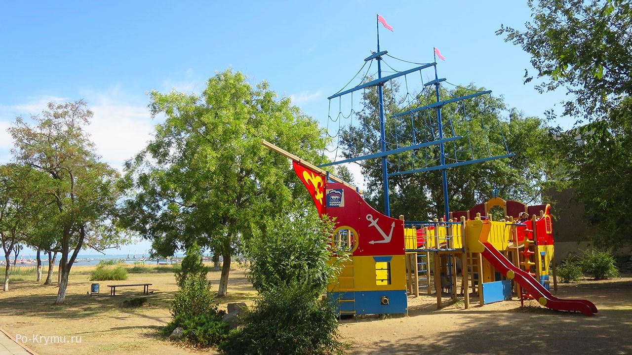Детская площадка в Аршинцево.