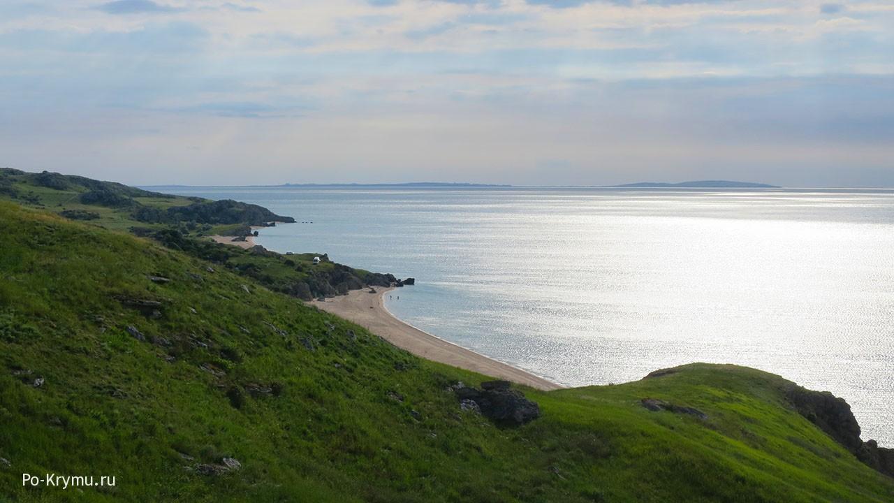 Генеральские пляжи Керчи - побережье тысячи бухт.