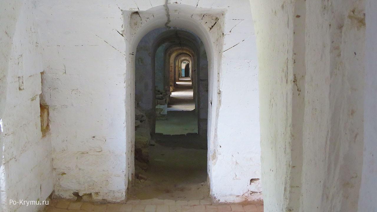 Бесконечные коридоры.