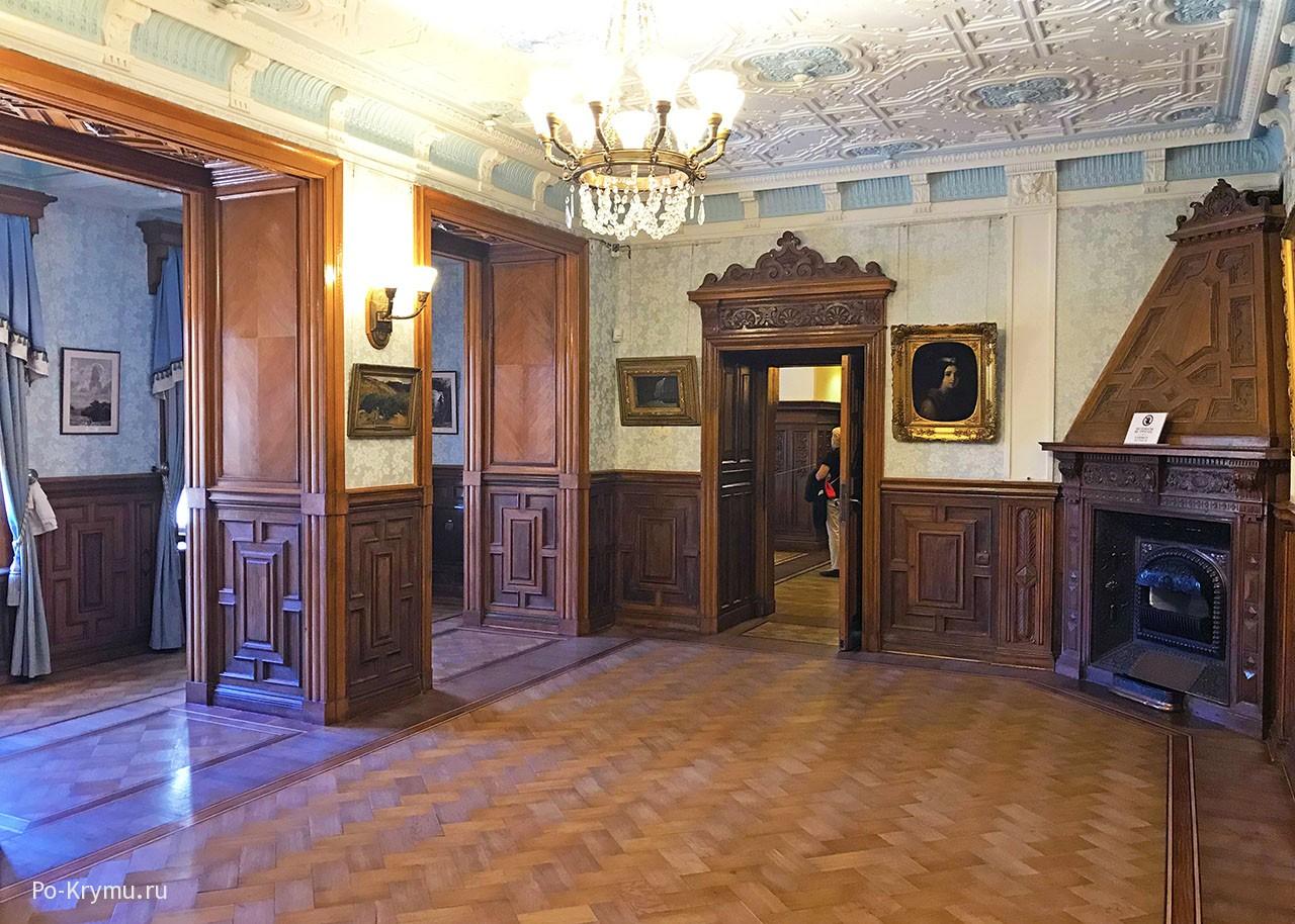 Дубовые панели императорских залов в стиле английского ренессанса