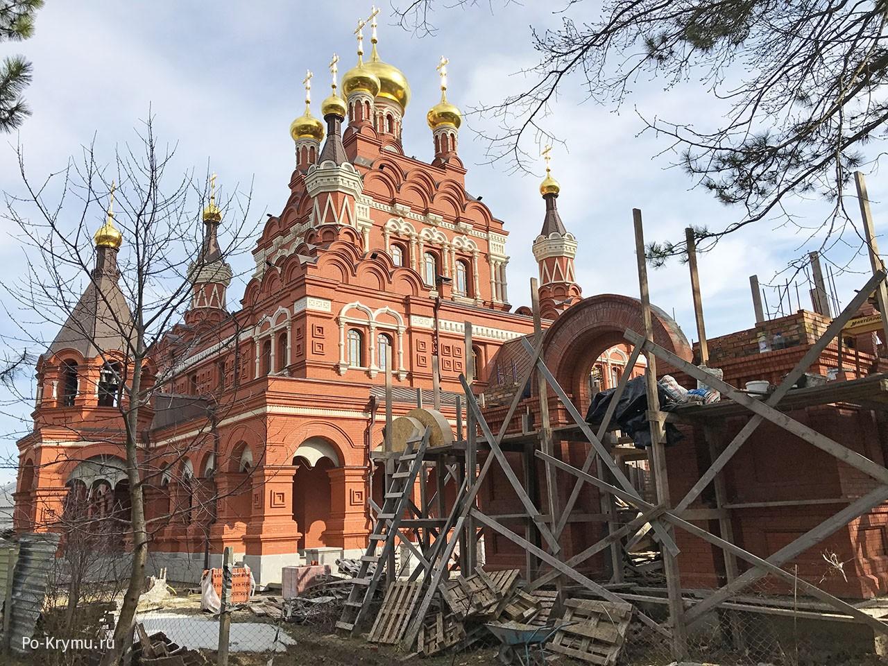 Топловский Троицко-Параскевиевский монастырь