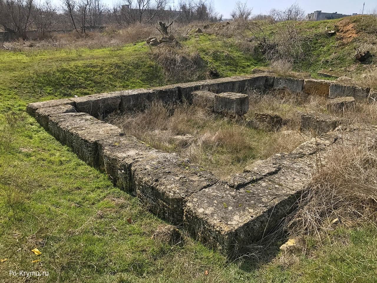 Руины греческого поселения под Евпаторией в Западном Крыму.