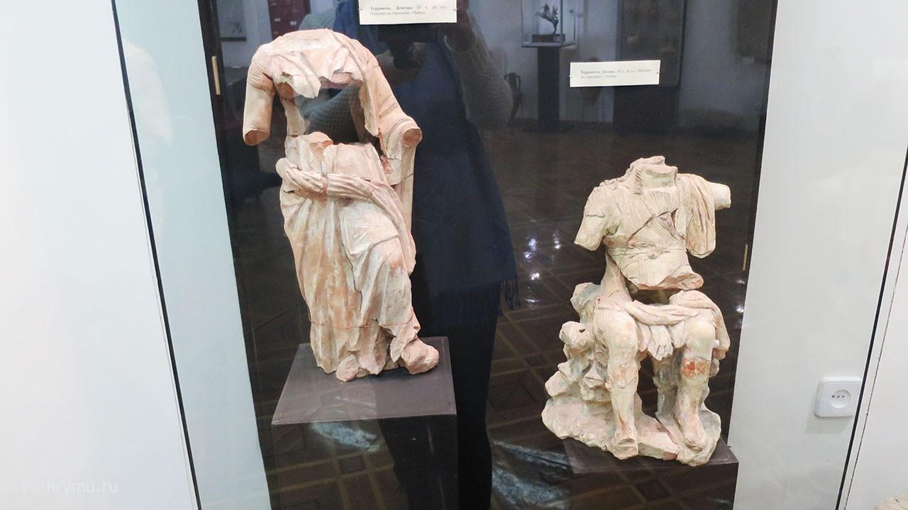 Артефакты найденные в городище Чайка под Евпаторией.