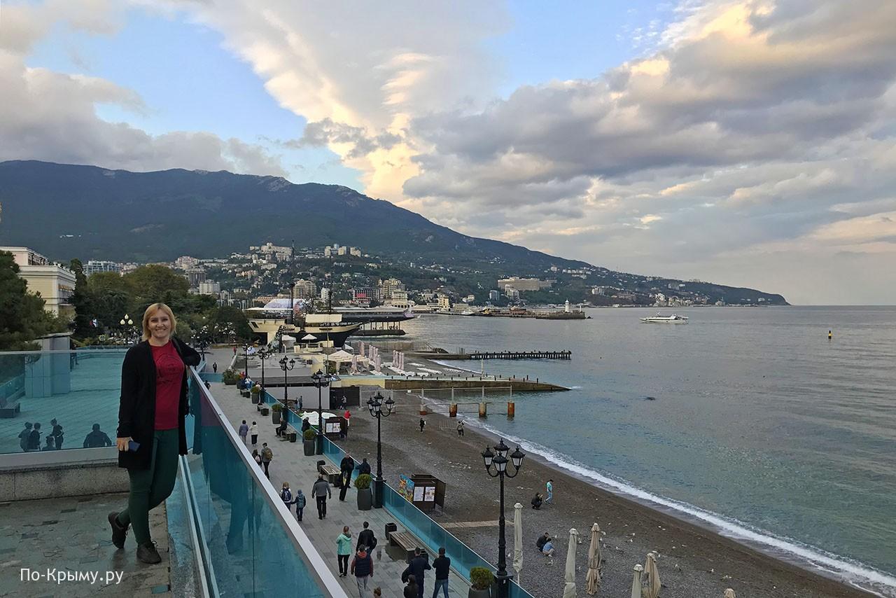 Галереи и балконы приморского пляжа