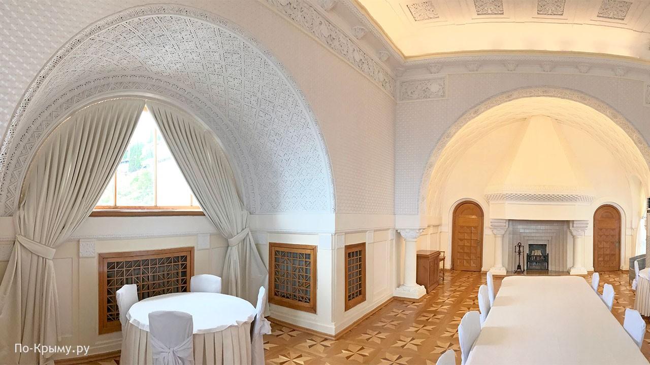 Белая столовая Юсуповского дворца