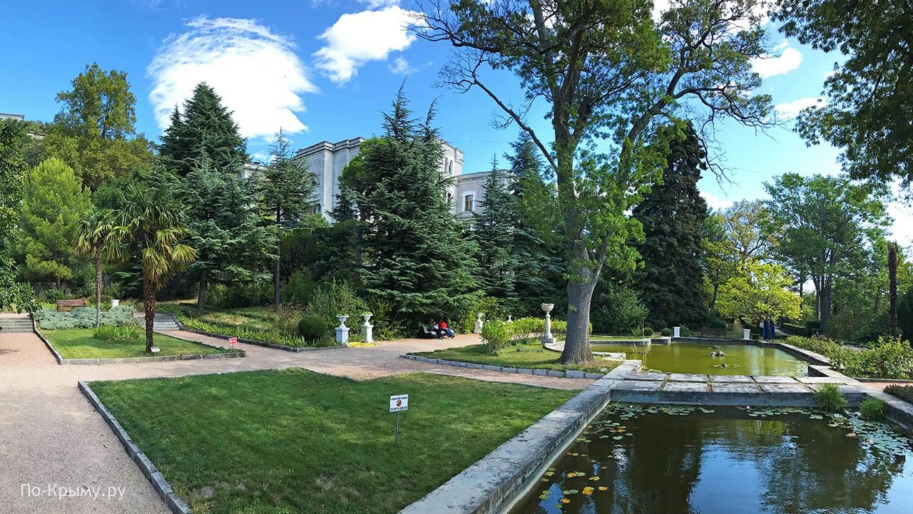 Водоемы в парке Юсуповского дворца