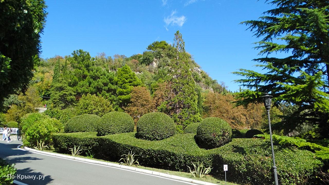 Аллеи Юсуповского парка в Кореизе
