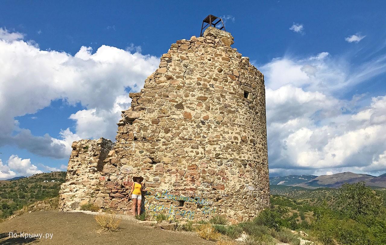 Крепость Чобан-Куле - башня братьев Гуаско